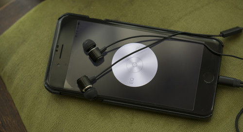 Cheero_earphones_with_charging_d_10